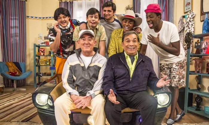 Em sentido horário: Zaca (Gui Santana), Didico (Lucas Veloso), Dedeco (Bruno Gissoni), Tião (Nego do Borel), Mussa (Mumuzinho), Dedé (Dedé Santana) e Didi (Renato Aragão) Foto: Rafael Campos / Globo