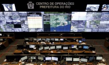 Centro de Operação e controle da prefeitura do Rio de Janerio Foto: Domingos Peixoto / Agência O Globo