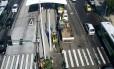 Vazamento de água interdita faixa do BRT Transcarioca na Praça Seca Foto: Divulgação/Centro de Operações