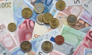 O salário mínimo no país vizinho será atualizado para 8.860 pesos ainda no próximo mês Foto: Internet