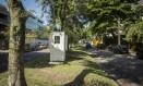 Guarita vazia na Avenida Alda Garrido: alvo de invasões Foto: Analice Paron / Agência O Globo