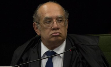 Na foto o ministro Gilmar Mendes em sessão Foto: Michel Filho / Agência O Globo