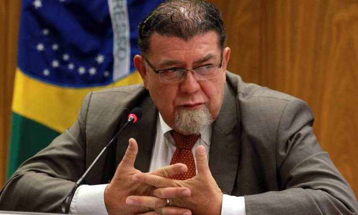 O embaixador brasileiro na Venezuela, Ruy Pereira, durante entrevista coletiva em 2013 Foto: Givaldo Barbosa / Agência O Globo