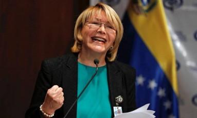 A procuradora-geral da Venezuela, Luisa Ortega Diaz, fala durante uma entrevista coletiva em Caracas Foto: IVAN ALVARADO / REUTERS