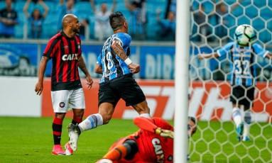 Numero 18, Barrios comemora um de seus gols Foto: Divulgação - Grêmio