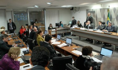 Votação da reforma trabalhista na Comissão de Constituição e Justiça do Senado Federal Foto: Jorge William / Agência O Globo/28-06-2017