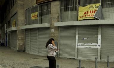 Lojas fechadas são sinais da recessão. Foto de Gabriel de Paiva / Agência O Globo Foto: Gabriel de Paiva / Agência O Globo