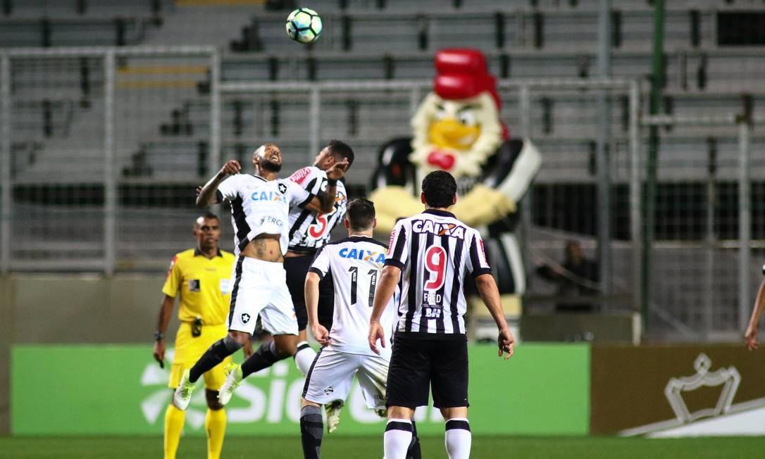 1dbd253ad0562 Botafogo é derrotado pelo Atlético-MG