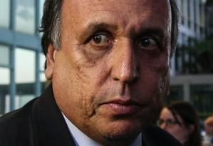 Adiamento. Pezão, que permanece no governo: defesa tentará anular ação antes do julgamento do mérito no TSE Foto: André Coelho / Agência O Globo