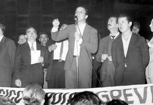 Em 1964. José Serra durante comício em SP, como presidente da UNE Foto: Sônia Hitomi