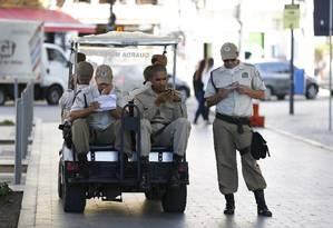 A Guarda Municipal ficará encarregada de fazer a fiscalização, que antes era feita pela Polícia Militar Foto: Pablo Jacob - 25/05/2017 / Agência O Globo