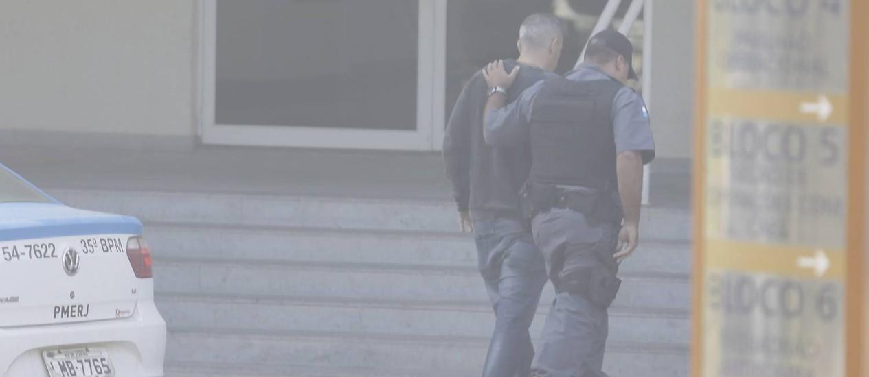 Propinoduto. Suspeito é preso durante a operação Calabar em São Gonçalo Foto: Gabriel de Paiva / Agência O Globo