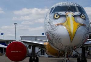 E190-E2 no aeroporto Le Bourget, perto de Paris Foto: REUTERS