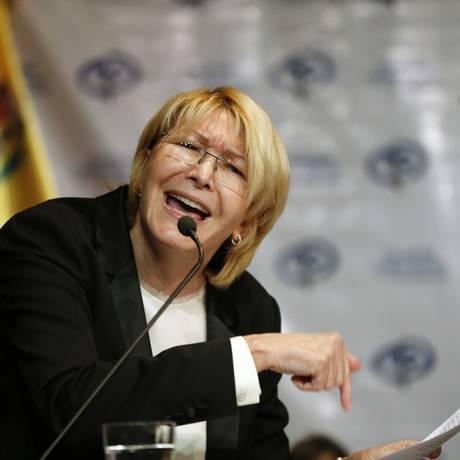 Luisa Ortega Díaz fala durante entrevista coletiva em Caracas, na Venezuela Foto: Ariana Cubillos / AP