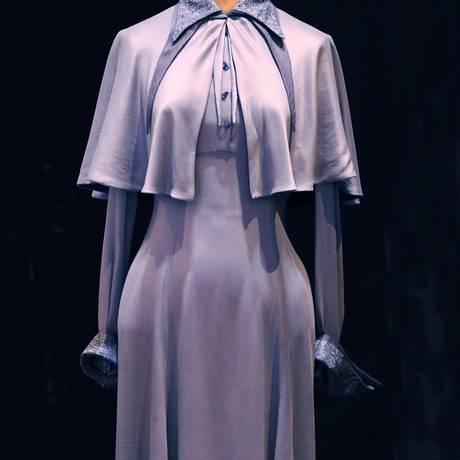 Traje. Veste de seda azul da Academia de Magia Beauxbatons Foto: Divulgação
