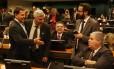 Sérgio Zveiter, relator da denúncia contra Temer na CCJ, ao lado dos deputados Chico Alencar e Carlos Marun