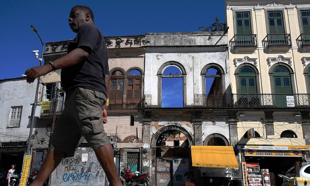 Vista das casas que margeiam o Cais do Valongo Foto: MAURO PIMENTEL / AFP