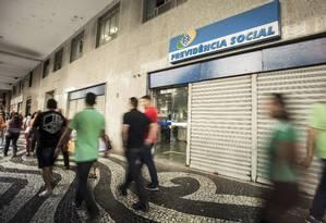 Agência do INSS no Centro do Rio. Foto Ana Branco / Agencia O Globo