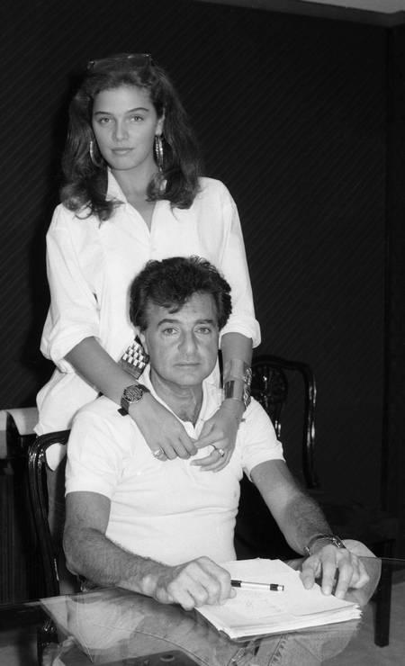 Humberto Saad e a modelo Vanessa de Oliveira Foto: Ignácio Ferreira / Agência O Globo