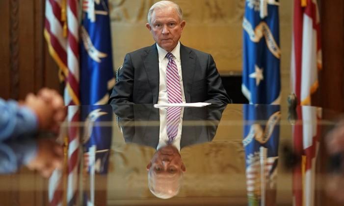 O procurador-geral dos EUA, Jeff Sessions, participa de um encontro em Washington Foto: WIN MCNAMEE / AFP