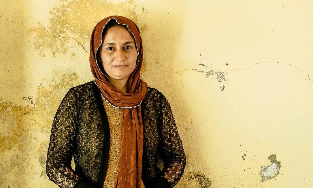Ghazal Naser Khalaf, de 37 anos: peregrinação a Lalish após a escravidão sob o Estado Islâmico Marcio Pimenta / Agência O Globo
