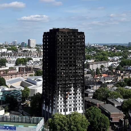 A Grenfell Tower foi destruída por um incêndio no oeste de Londres, em 16 de junho Foto: Hannah Mckay / REUTERS