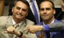 Os deputados Jair e Eduardo Bolsonaro Foto: Ailton de Freitas / 9-9-2015