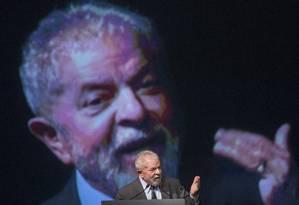 O ex-presidente Lula participa de evento sindicalista no Rio de Janeiro Foto: Antonio Scorza / Agência O Globo/04-10-2016