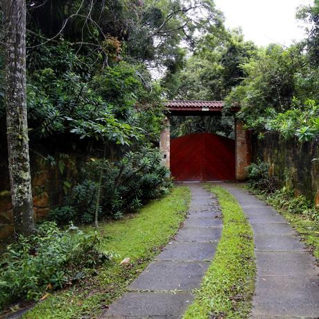 Entrada do sítio de Atibaia, frequentado pelo ex-presidente Lula e sua família Foto: Edilson Dantas / Agência O Globo