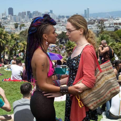 Freema Agyeman (Amanita) e Jamie Clayton (Nomi) em cena da primeira temporada de 'Sense8' Foto: Divulgação