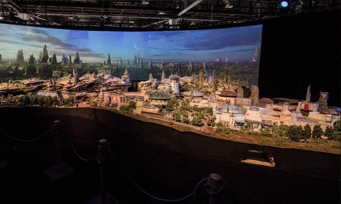 A Star Wars Land está sendo construída simultaneamente na Flórida e na Califórnia e deve ser inaugurado em 2019 Foto: @starwars / Twitter/Reprodução