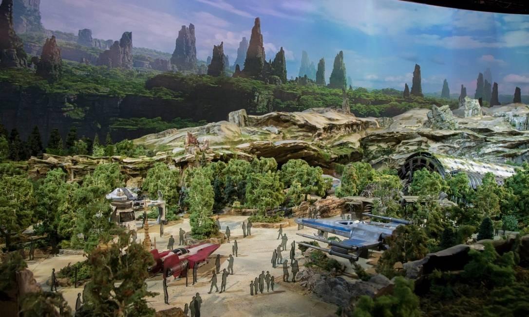 Uma das atrações da Star Wars Land colocará os visitantes no centro de uma batalha entre a Resistência e a Primeira Ordem Foto: @starwars / Twitter/reprodução