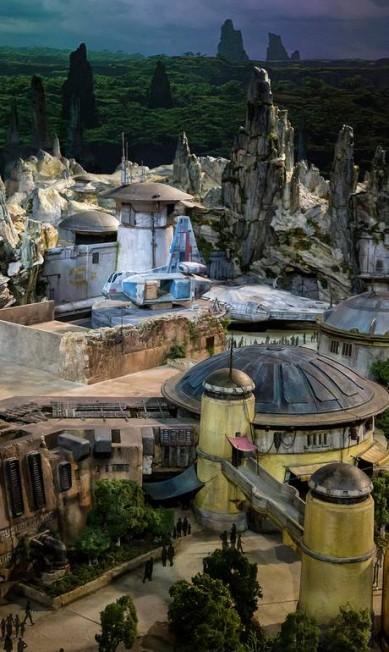 """A área temática reproduzirá um planeta ainda desconhecido do universo de """"Star Wars"""", um posto comercial antes do """"espaço selvagem"""" Disney Parks Blog / Reprodução"""