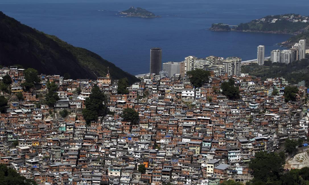 Quem lidera a lista, no entanto, é a Seu Pedro, pequena comunidade localizada em Inhaúma, na Zona Norte, que inchou 78,58% entre 2012 e 2016 Custódio Coimbra / Agência O Globo