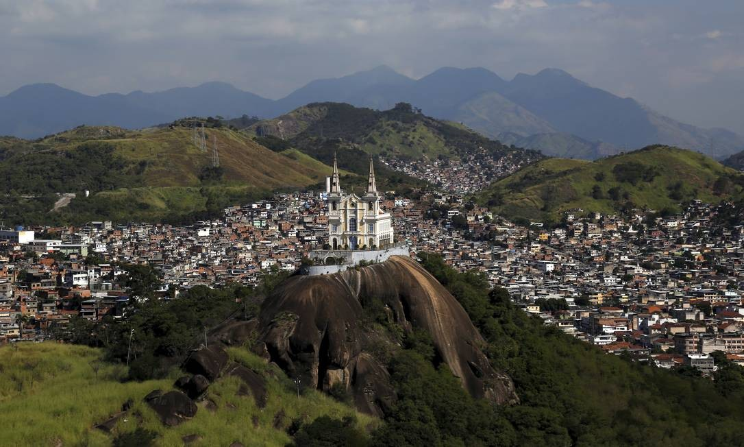 Já em números absolutos, a Vila Rica de Irajá, que integra o Complexo de Acari, também na Zona Norte, foi a que mais cresceu, com um ocupação de 28.685 metros quadrados Custódio Coimbra / Agência O Globo