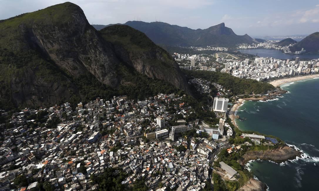 Após quatro anos de quedas sucessivas, as favelas voltaram a se expandir no Rio Custódio Coimbra / Agência O Globo