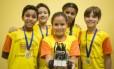 O carro-robô e a arena que deram aos alunos da Escola Municipal Dario Castello a medalha de ouro em etapa regional da Olímpíada de Robótica