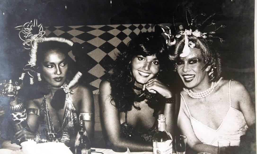Com Marina Montini e Roberta Close, no canaval de 1982 Foto: O Globo