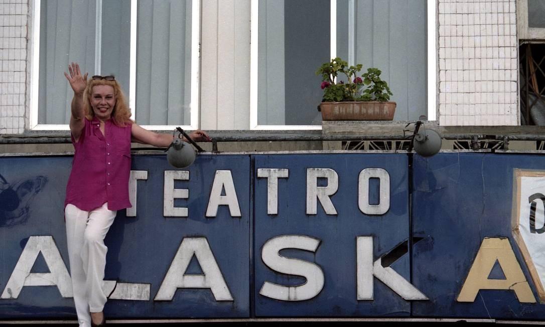 Em frente ao antigo Teatro Alaska, em 1997 Foto: Arquivo