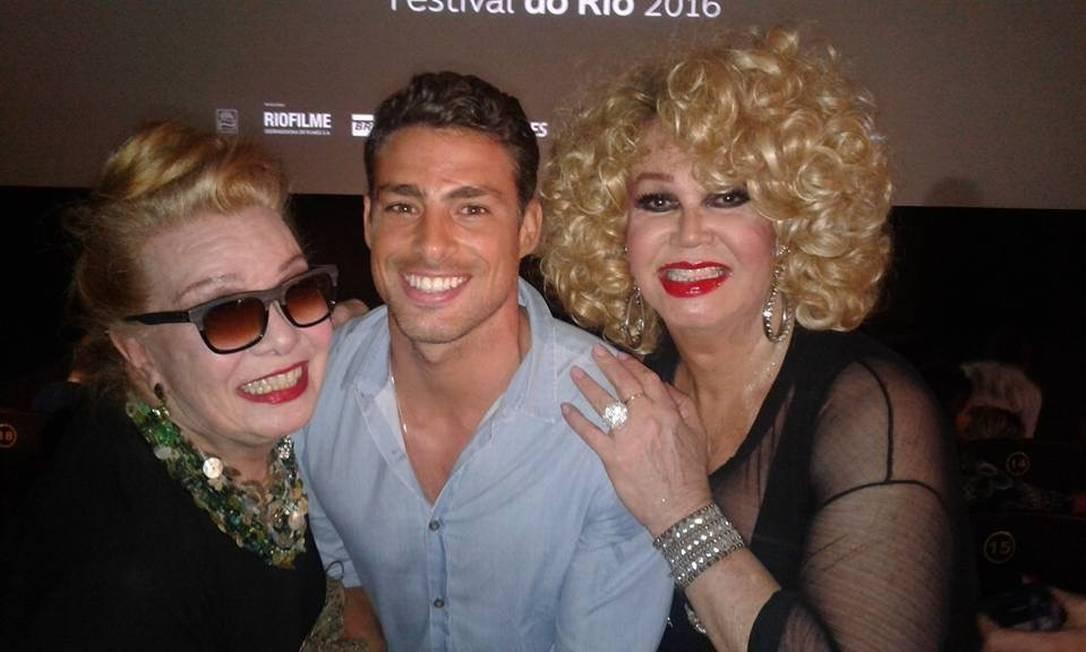 Com Cauã Reymond e Jane de Castro, no Festival do Rio em 2016 Foto: O Globo