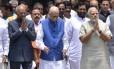 Em junho, candidato Ram Nath Kovind (à esquerda) posa ao lado de aliados; à direita, está o premier Narendra Modi