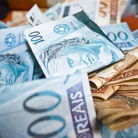 Notas de cem e cinquenta reais