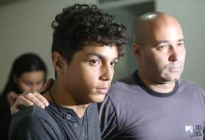 Matheus Silva, de 23 anos, foi preso pelos agentes na favela Nova Era, em Nova Iguaçu, na Baixada Fluminense Foto: Fabiano Rocha / Fabiano Rocha