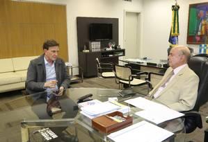 O prefeito Marcelo Crivella e governador em exercício, Francisco Dornelles Foto: Divulgação / Prefeitura do Rio
