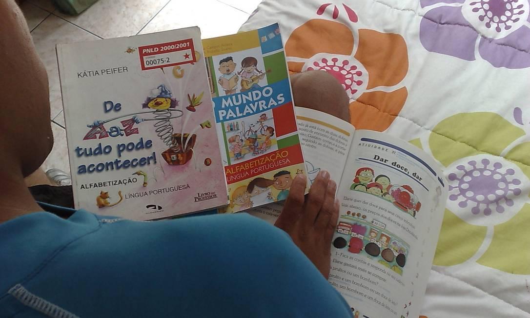 MEC também determinou livros consumíveis nos 4º e 5º ano do fundamental Foto: Isabella Guerreiro / .