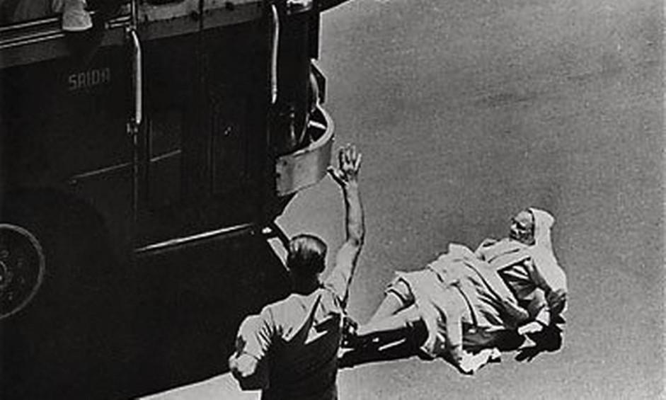 """Alberto Jacob ganhaou o prêmio Esso de 1971 com a foto """"a mão de deus"""" Foto: Alberto Jacob / Jornal do Brasil"""