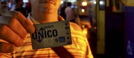 Bilhete Único. Serviço terá que passar por licitação, diz MP e Defensoria Foto: Domingos Peixoto / Agência O Globo