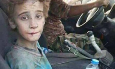 Emad Mishko Tamo, de 12 anos, quer se juntar a sua mãe no Canadá Foto: Reprodução / Facebook