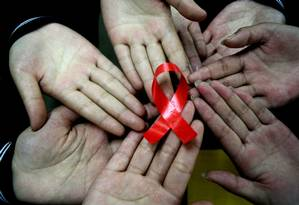 No mundo, luta contra a Aids avançou e mais da metade dos pacientes já tem acesso a tratamento com antirretrovirais Foto: STR / AFP
