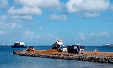 Superfaturamento. Obra de ampliação do quebra-mar do Porto de Salvador teria suposto custo a mais de R$ 22 milhões, segundo TCU Foto: Divulgação/Codeba
